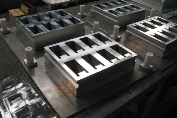 blister-pack-thermoforming-mold-1F9E6B850-596F-2FB4-2370-4FBE306BC5F6.jpg
